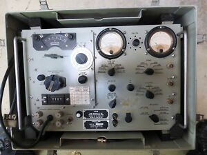 An urm 103 Signal Generator For Servicing Fm Army Military Radios