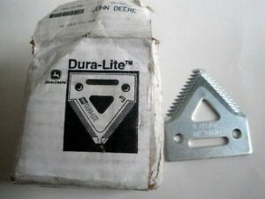 Box Of 25 john Deere Dura lite Coarse Tooth Sickle Section H207930 New