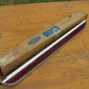Nos 1972 Ford Thunderbird Rear Taillight Reflector Light Assembly New Nos Rare