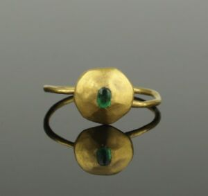 Ancient Medieval Gold Emerald Ring Circa 14th 15th Century Ad