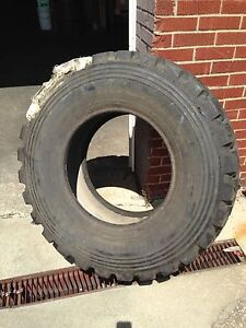 Michelin Xzl 335 80r20 Tire Set Of 4 Unused Military