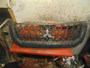 04 00 01 02 03 Mitsubishi Montero Sport Oem Front Grill Grille