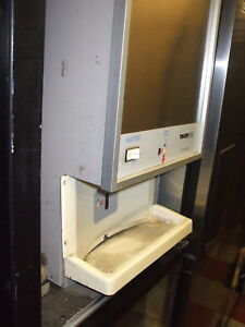 Scotsman Touch Free Ice Maker flaker 115 V C top Water Disp 900 Items On E Ba