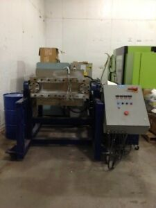 35 Ton Custom Horizontal Platen Press 22 X 36 Platens 1400 Psi Max Pressure