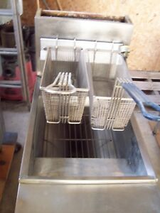 Used Gas Frymaster Deep Fat French Fryer 40 Local Pick Up Only Works Great