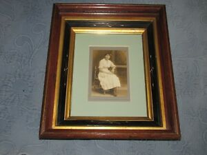 Antique Eastlake Victorian Walnut Deep Well Picture Frame Girl In Chair Photo