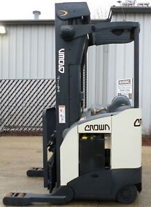 Crown Model Rr5220 45 2005 4500 Lbs Capacity Great Reach Electric Forklift