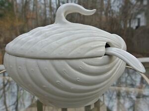 Vintage Italian White Ceramic Clamshell Tureen With Ladle