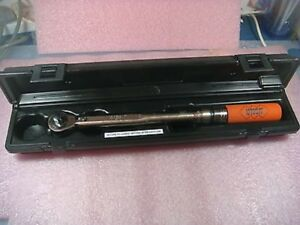 Utica Tci 750r Ratchet Head Torque Wrench 150 750 In lb 3 8 Drive With Case
