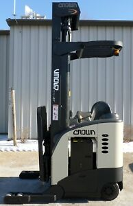 Crown Model Rr5020 35 1999 3500 Lbs Capacity Great Reach Electric Forklift