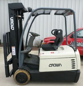 Crown Model Sc4040 35 2000 3500 Lbs Capacity Great 3 Wheel Electric Forklift