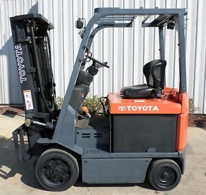Toyota Model 7fbcu25 2006 5000lbs Capacity Great 4 Wheel Electric Forklift