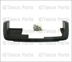 Brand New Oem Jet Black Tow Hitch Reciever Bezel 2005 2010 Jeep Grand Cherokee