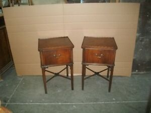 1940 S 1950 S Pair Of Mahogany Stands
