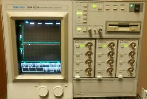Tektronix Dsa 602a Signal Analyzer 100 240v 50 60hz W 3 11a34 4 Channel Amps