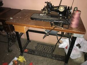 Us Blind Stitch Model 118 Antique Industrial Sewing Machine And Working Table