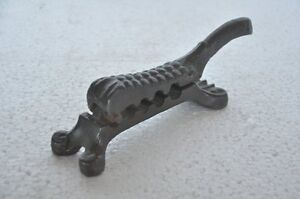 Old Iron Casted Handcrafted Unique Shape Bullet Making Tool