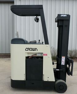 Crown Model Rc3020 30 2003 3000 Lbs Capacity Great Docker Electric Forklift