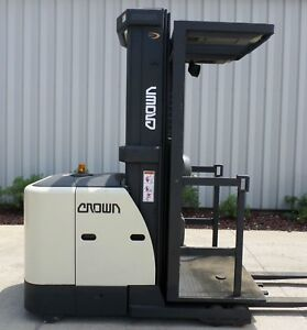 Crown Model Sp3420 30 2005 3000 Lbs Capacity Order Picker Electric Forklift