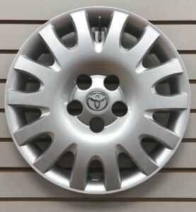 New 2002 2006 Toyota Camry 16 Silver Hubcap Wheelcover Factory Original