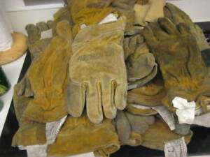 Lot Of 15 Pair Used Firefighter Gloves Bunker Turn Out Gear Good For Rappelling