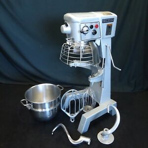 Hobart 30 Quart Mixer D300t W 4 Oem Attachments Absolutely Flawless