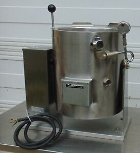 20 Quart Legion Teh 20 Electric 2 3 Jacketed Tilt Kettle