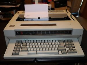 Ibm Wheelwriter 30 Electronic Typewriter