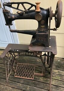 Singer 29 4 Leather Sewing Machine Heavy Duty Pick Up Only Working Condition
