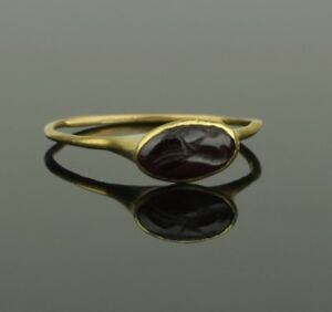 Fine Ancient Roman Gold Intaglio Ring 2nd Century Ad