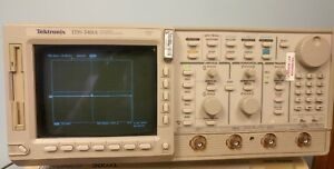 Tektronix Tds540a Digital Oscilloscope W opt 1f 1m 2f