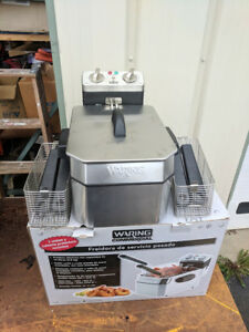 Display Model Waring Wdf1000b Countertop Commercial Deep Fryer 208v
