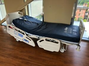 Hill rom Care Assist Es Hospital Bed W Accumax Mattress