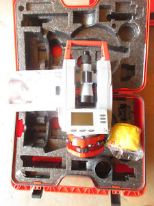 Leica Geosystems T110 Theodolite With Case And Manual