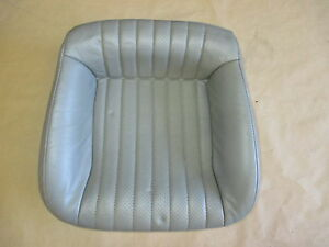 93 95 Firebird Trans Am Light Gray Leather Rear Lower Seat Bottom 0421 38