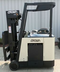 Crown Model Rc3020 40 2004 4000 Lbs Capacity Great Docker Electric Forklift