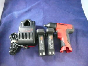 Snap On 3 8 Drive Impact Wrench Ct596 With 2 Batteries