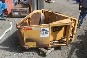 Clamshell Grapple Brush Bucket Tink The Claw 520 Capacity 2400lbs