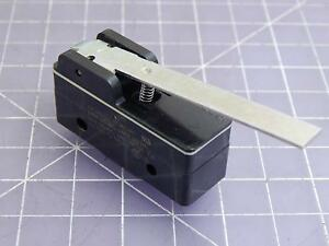 Lot Of 100 Micro Switch Bz 2rw85564t s Basic Snap Action Switches 15 A 125 25