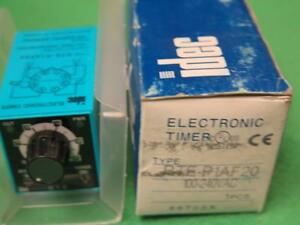 Idec Rte p1af20 Electronic Timer Relay 100 240vac Dpdt 8 Pin Plug in Multi Mode