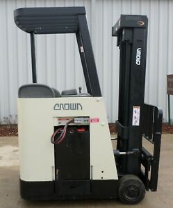 Crown Model Rc3020 30 2004 3000 Lbs Capacity Great Docker Electric Forklift