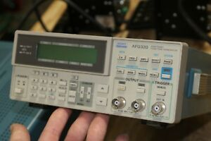 Tektronix Afg320 2 Channel 16 Mhz Arbritary Function Generator Working