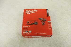 Milwaukee 2401 21b 12 volt Li ion Compact Driver Kit Battery And Charger 36756