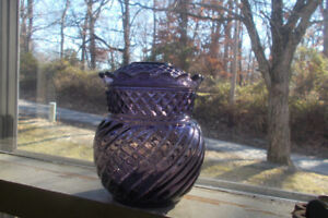 Beautiful Amethyst Swirled Pineapple Antique 1890s Sugar Bowl Or Covered Jar