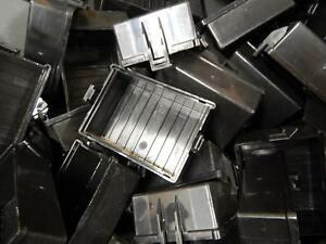 Lot Of 25 Engineered Plastic Components 13782511 2 Module Square Top Cover T8417