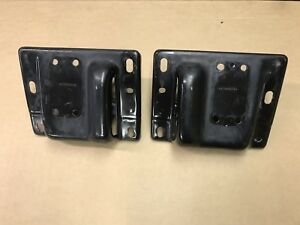 Dodge Ram 2500 3500 Front Bumper Mounts And Hooks 2008 18 Oem Free Shipping