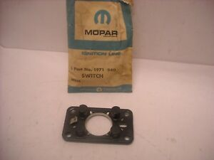 Mopar Nos 1960 1961 Plymouth Dodge Steering Wheel Horn Contact Switch 1971940