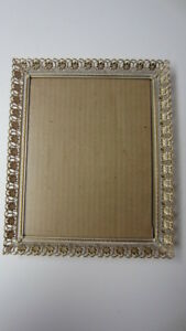 Vintage Art Deco Metal Whitewash Floral Lace Edge Picture Frame 8 In X 10 In