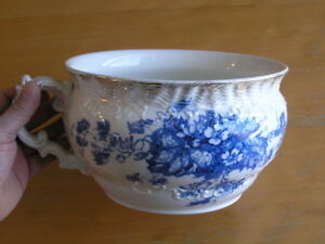 Antique Wedgwood Co England Royal Semi Porcelain Iona Chamber Pot Blue White