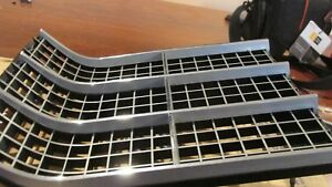 Nos 1970 Ford Galaxie Xl Ltd Country Squire Rh Inner Grille Grill Trim Molding